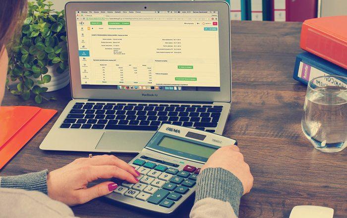 Beachten Sie diese Steuertipps bei der Erstellung einer eigenen Firmenwebseite